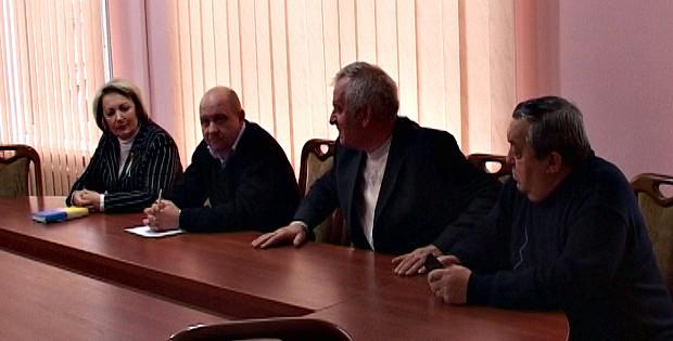 Голова РДА зустрівся з представниками політичних партій