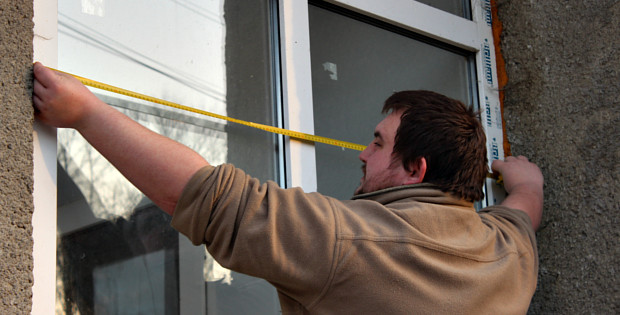 Білі вікна, сірі схеми або Сторожинецький євроремонт