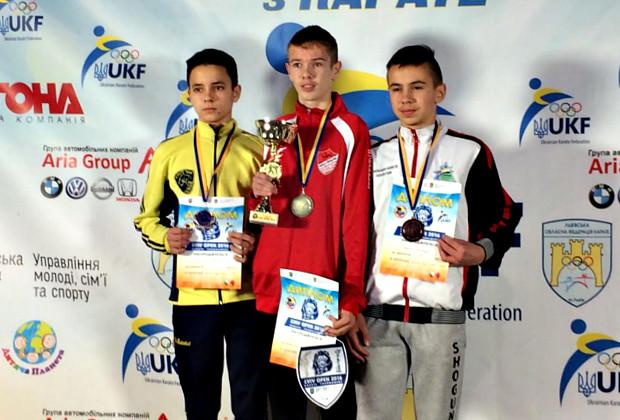 Сторожинчани завоювали 4 медалі чемпіонату України по карате