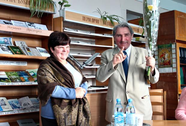 В бібліотеці відбулася зустріч з поетом Василем Васканом