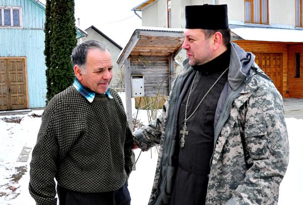 Сторожинчани Греко-Католицької церкви зібрали допомогу для добровольців в АТО