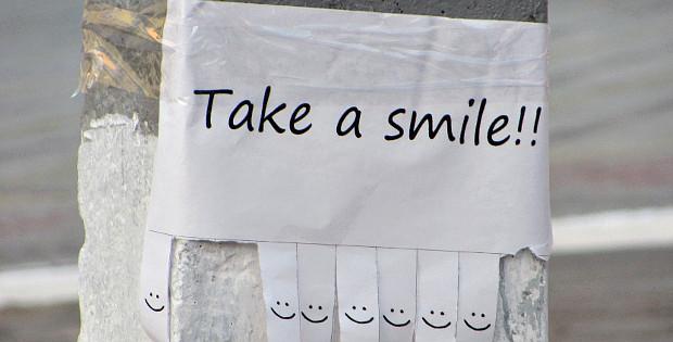 """""""Take a smile"""" або Давайте будемо патріотами"""