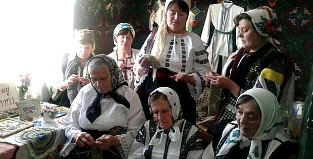 Майстрині з Красноїльську розповіли про свої хобі