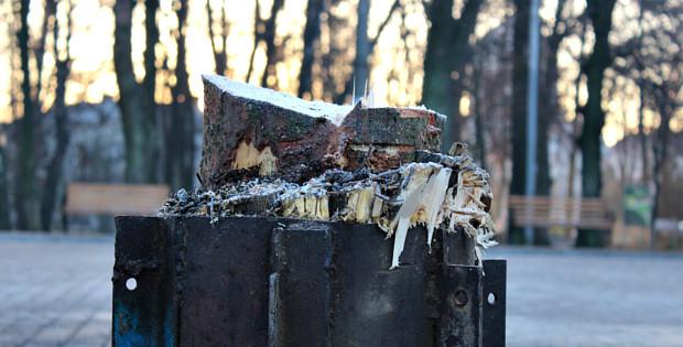 В центрі Сторожинця згоріла новорічна ялинка