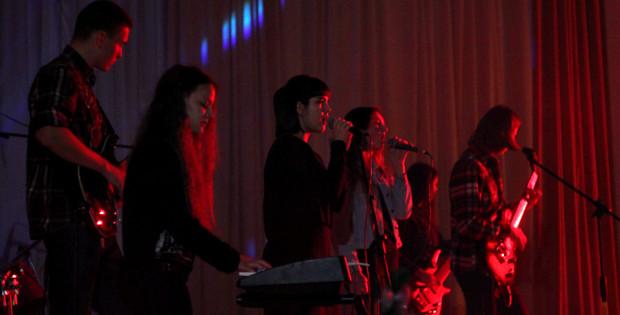 """В """"Юності Підгір'я"""" відбувся концерт року від молодих виконавців"""