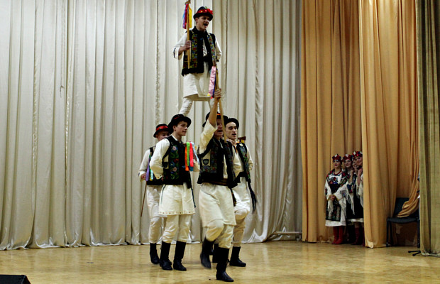 """В """"Юності Підгір'я"""" відбувся фестиваль народного танцю"""