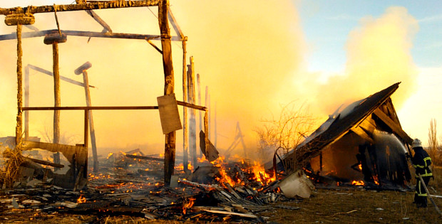 Через дитячі пустощі з вогнем згоріла господарська будівля