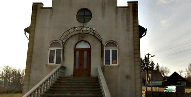 В Тисовці з Дому молитви вкрали дорогу аудіоапаратуру