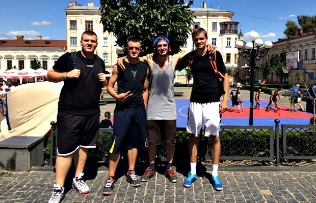 Сторожинчани взяли ІІІ місце на Чемпіонаті Чернівців з стрітболу