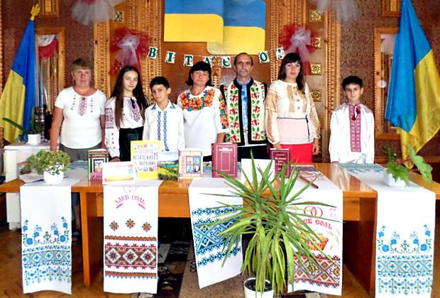 """Урок пам'яті """"Живу тобою, Україно!"""" в Нових Бросківцях"""