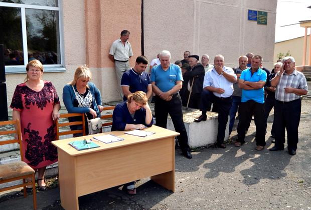 Громада села Кам'яна виступила на захист сільського голови