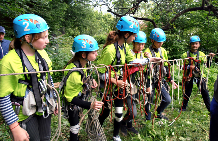 У Івано-Франківську дітей навчають як потрібно готуватися до туристичних походів