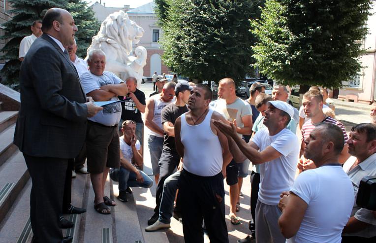 Обурення жителів Красноїльська
