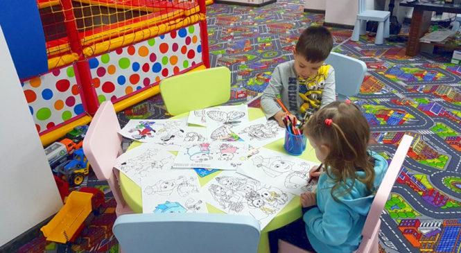 """Щосереди у новому дитячому розважальному центрі """"HappyLand"""" з дітками будуть проводитись майстер-класи"""