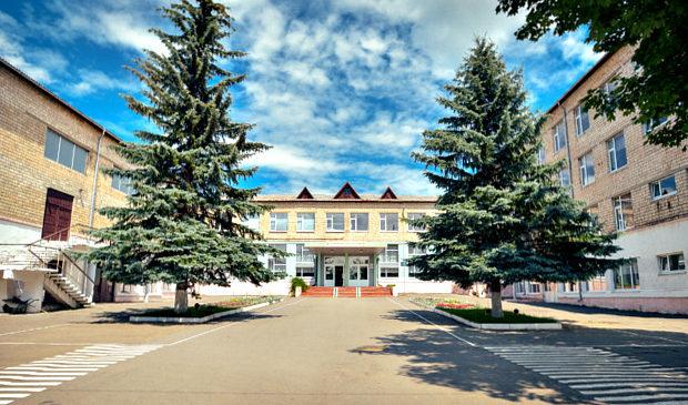 Сторожинецький районний ліцей (колишня ЗОШ №4) запрошує на зустріч з випускниками