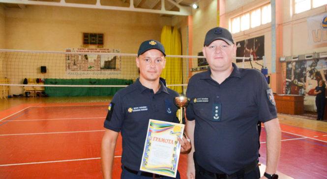 Сторожинецькі рятувальники стали кращими у обласних змаганнях з волейболу серед підрозділів УДСНС