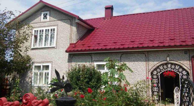 Продається чудовий будинок з мальовничим двором в Cторожинецькому районі