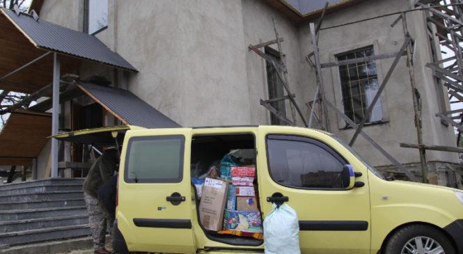 З Сторожинця до Маріуполя знову виїхали волонтери з гуманітарною допомогою