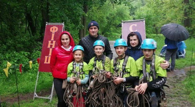 Сторожинчани вибороли перше місце у обласному етапі Чемпіонату України з пішохідного туризму