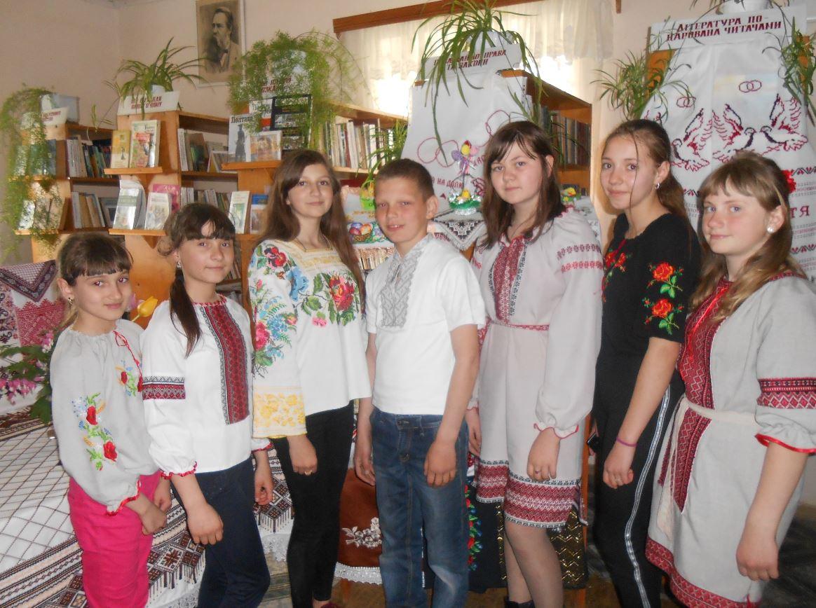 День вишиванки у Старій Жадові