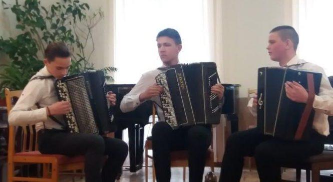 Учні Сторожинецької музичної школи мають хороші здобутки на закінчення навчального року